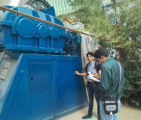 印度金属粉末混合机客户来厂验收混合设备